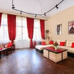Hostel-Hollywood-Home-Hostel-Lvov-snjat-962373y240
