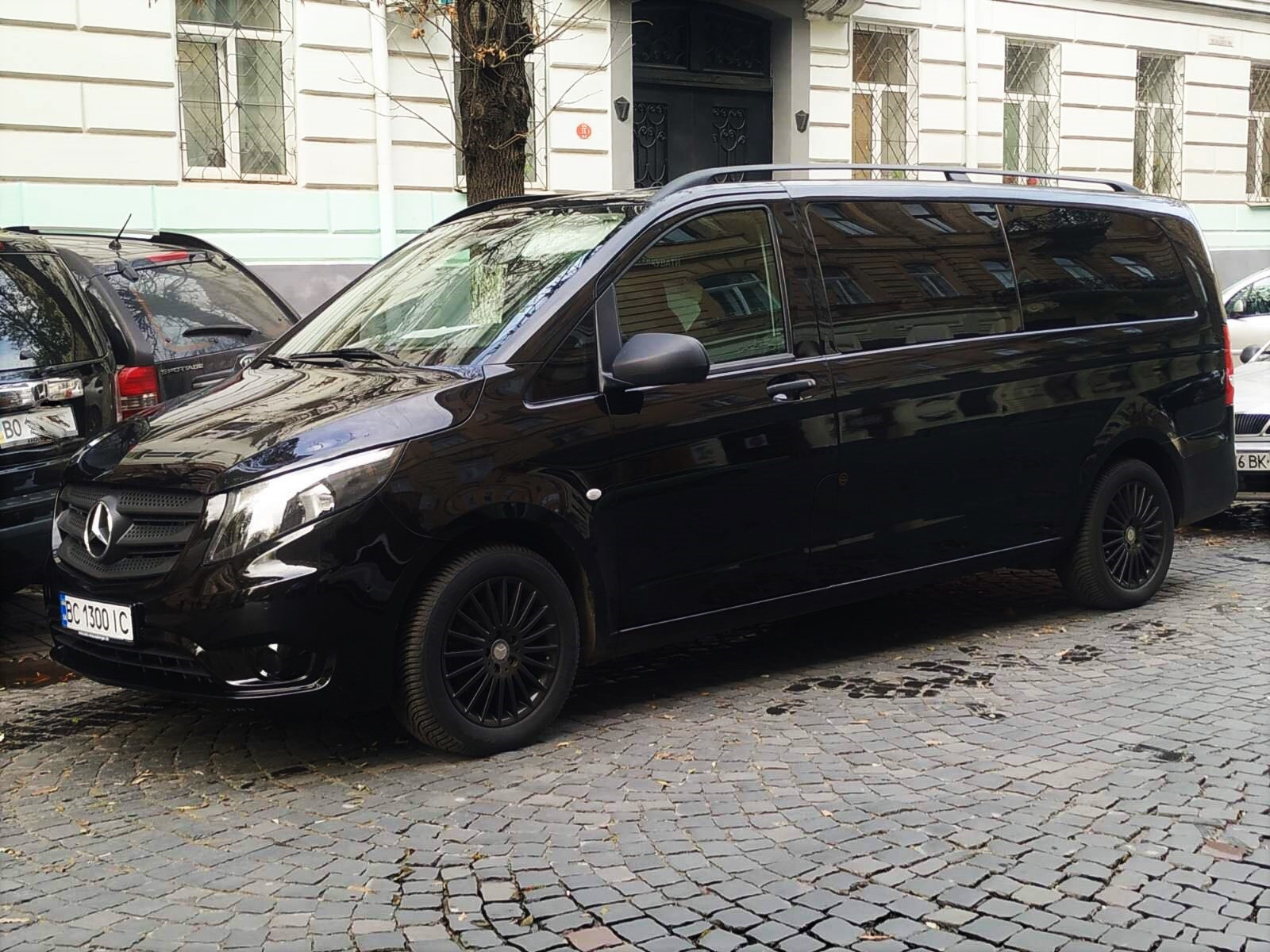 аренда авто в Львове, авто на 8 человек Львов, авто Львов, Mercedes Vito, трансфер Львов