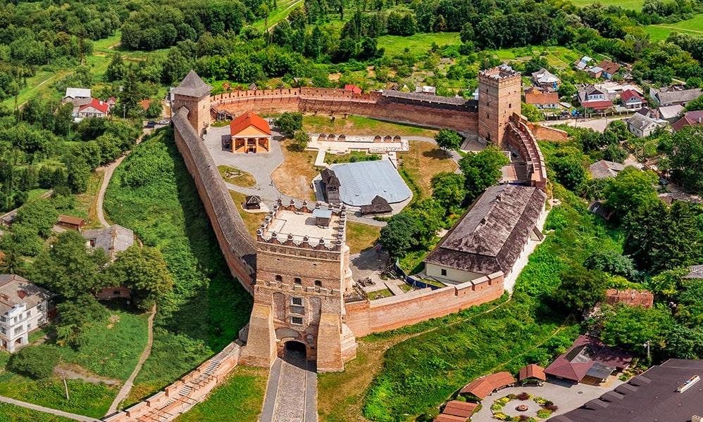 Луцький замок, замок Любарта, екскурсії в Луцький замок, екскурсії в замок Любарта